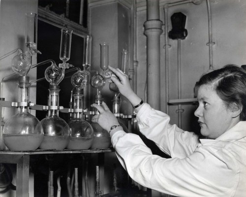 SA/BL/IMA/16/6 - Photograph of testing in the laboratory
