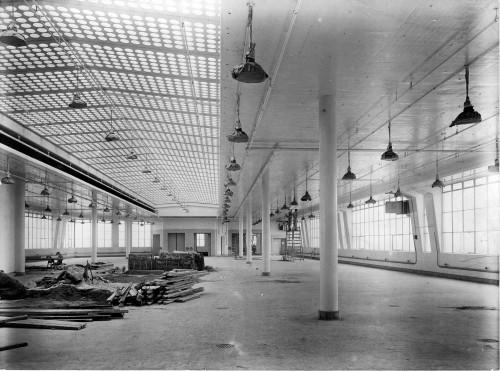 SA/BL/IMA/8/2 - Photograph of Factory interior (at Paris Gardens, Blackfriars, London)