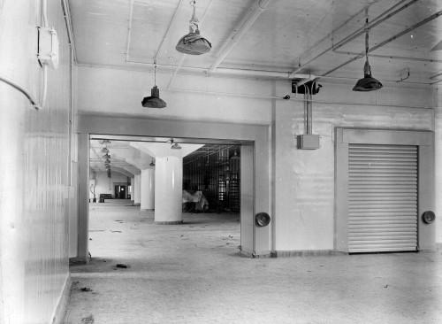SA/BL/IMA/8/3 - Photograph of Factory interior (at Paris Gardens, Blackfriars, London)