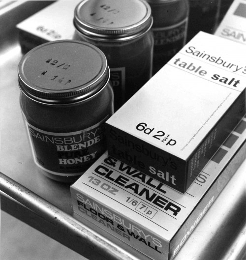 SA/BRA/5/9/8/1/2 - Photograph of product packaging with both pre and post decimalisation prices