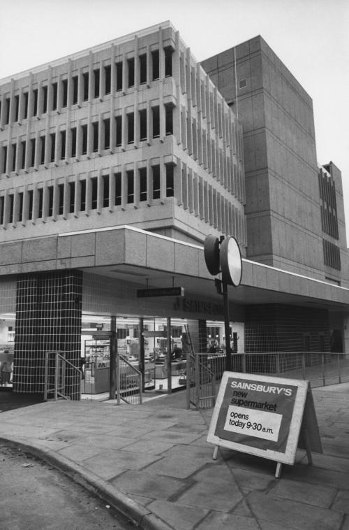 SA/BRA/7/A/11/3/1 - Photograph of Park House, Park Street, Ashford store, 1978 (exterior)