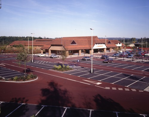 SA/BRA/7/A/11/4/1 - Photograph of Bybrook, Ashford store exterior and car park, 1992