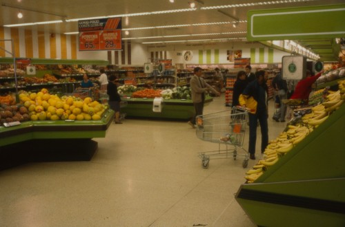 SA/BRA/7/B/20/7/4 - Image of Birmingham: Selly Oak branch interior: fruit and vegetables department