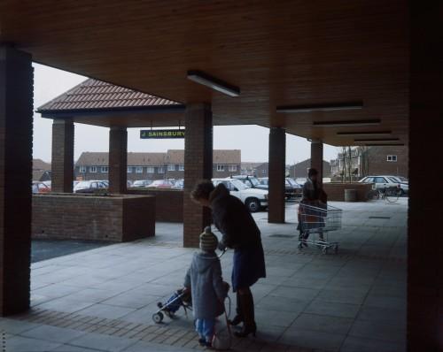 SA/BRA/7/B/21/2/5 - Image of customers outside Thorley Centre, Bishop's Stortford branch