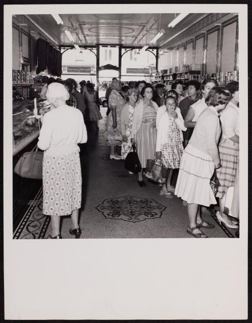 SA/BRA/7/B/31/3/7 - Image of customers at 637/639 Christchurch Road, Boscombe branch, c.1960
