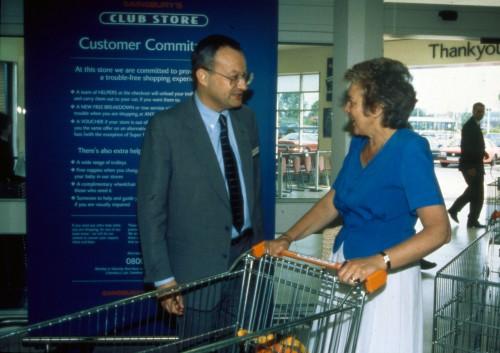 SA/BRA/7/B/39/3/146 - Image of Castle Court, Bristol (Club Store) store on opening day: David Sainsbury greeting customers
