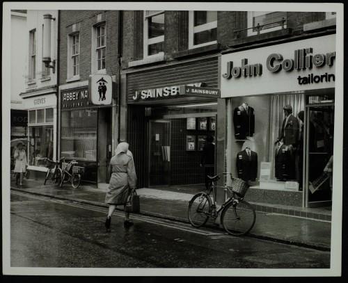 SA/BRA/7/C/4/2/134 - Image of Cambridge (44 Sidney Street) branch exterior