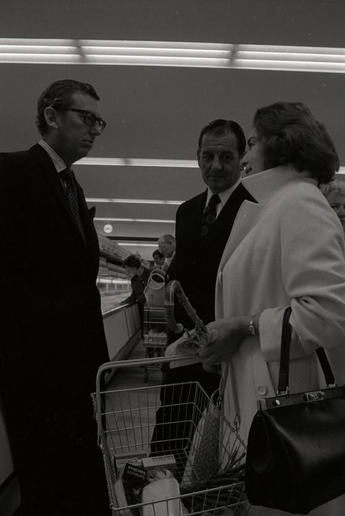 SA/BRA/7/C/4/2/54 - Image of Cambridge (44 Sidney Street) opening day: J.D. Sainsbury talking to customers