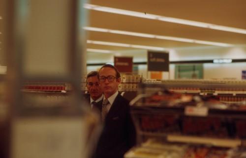 SA/BRA/7/C/4/2/86 - Image of Cambridge (44 Sidney Street) opening day: Simon Sainsbury