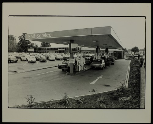 SA/BRA/7/C/4/3/70 - Image of Cambridge Coldhams Lane store petrol station