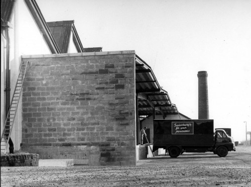 SA/DEP/3/9/1 - Photograph of Buntingford depot delivery van