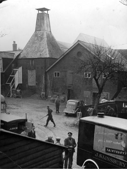 SA/DEP/7/3/1 - Photograph of Saffron Walden wartime depot, 1941