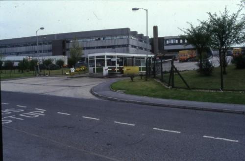 SA/DEP/2/4/2/29 - Image of exterior of Basingstoke Depot and entrance to loading bay at Basingstoke Depot