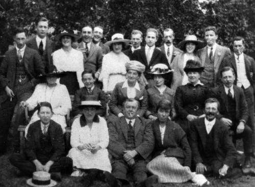 SA/EMP/SOC/1/IMA/5/4 - Photograph of Ealing branch staff visiting Cobham, 30 Jun 1920