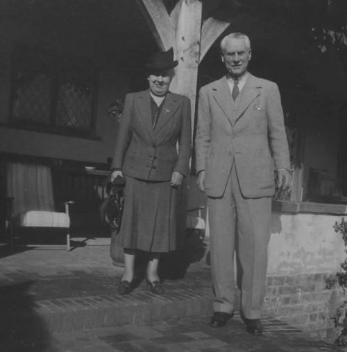 SA/FAM/2/IMA/1/1 - Photograph of JB Sainsbury with his wife Mabel