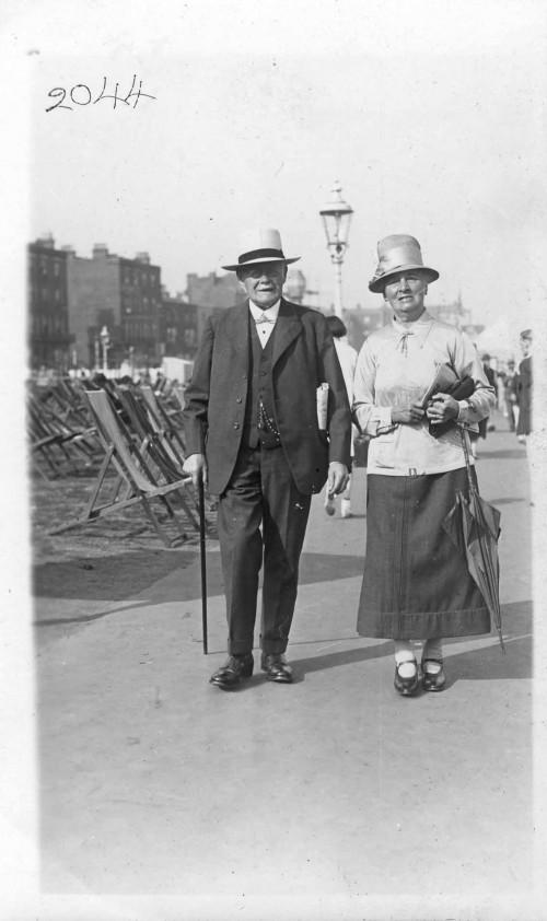 SA/FAM/2/IMA/1/2 - Photograph of JB Sainsbury with his wife Mabel