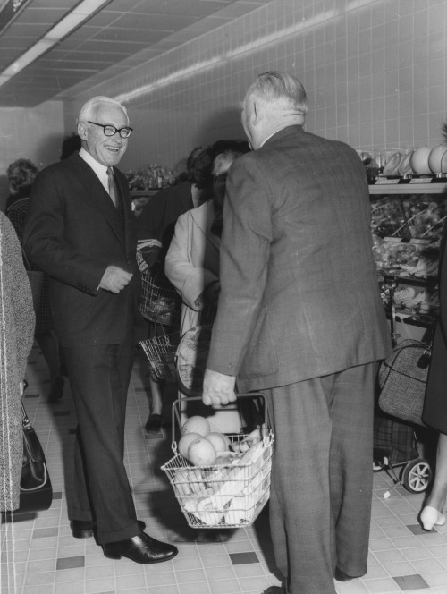 SA/FAM/3/IMA/1/2 - Photograph of Lord Alan Sainsbury with shoppers in unidentified branch