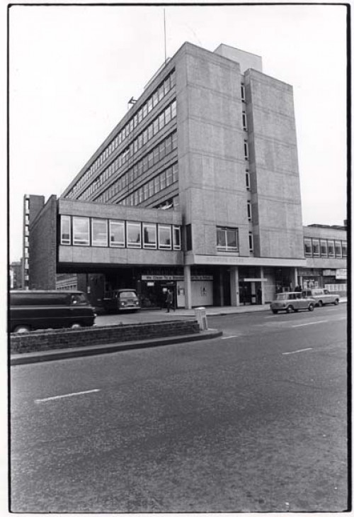 SA/REG/OFF/4/1/1 - Photograph of Norwich House, Streatham offices 1977 - exterior