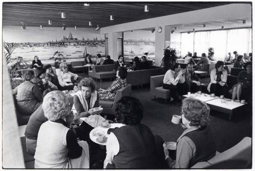 SA/REG/OFF/4/1/2 - Photograph of Norwich House, Streatham offices 1977 - staff lounge