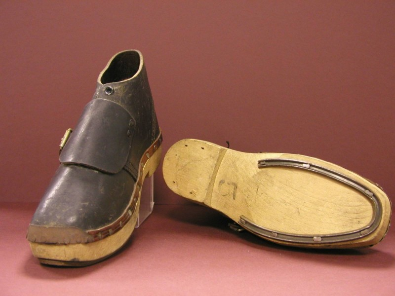 SA/BL/1/4 - Clogs (protective footwear for factory kitchen workers)