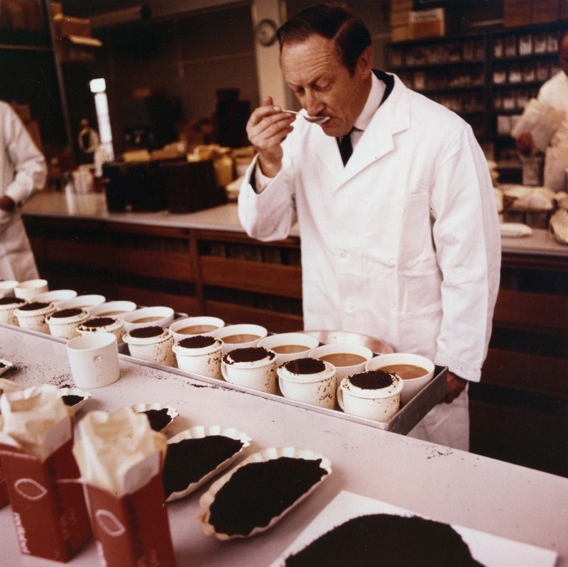 SA/BL/IMA/18/1 - Photograph of Barry Matthews at a regular tea-tasting session