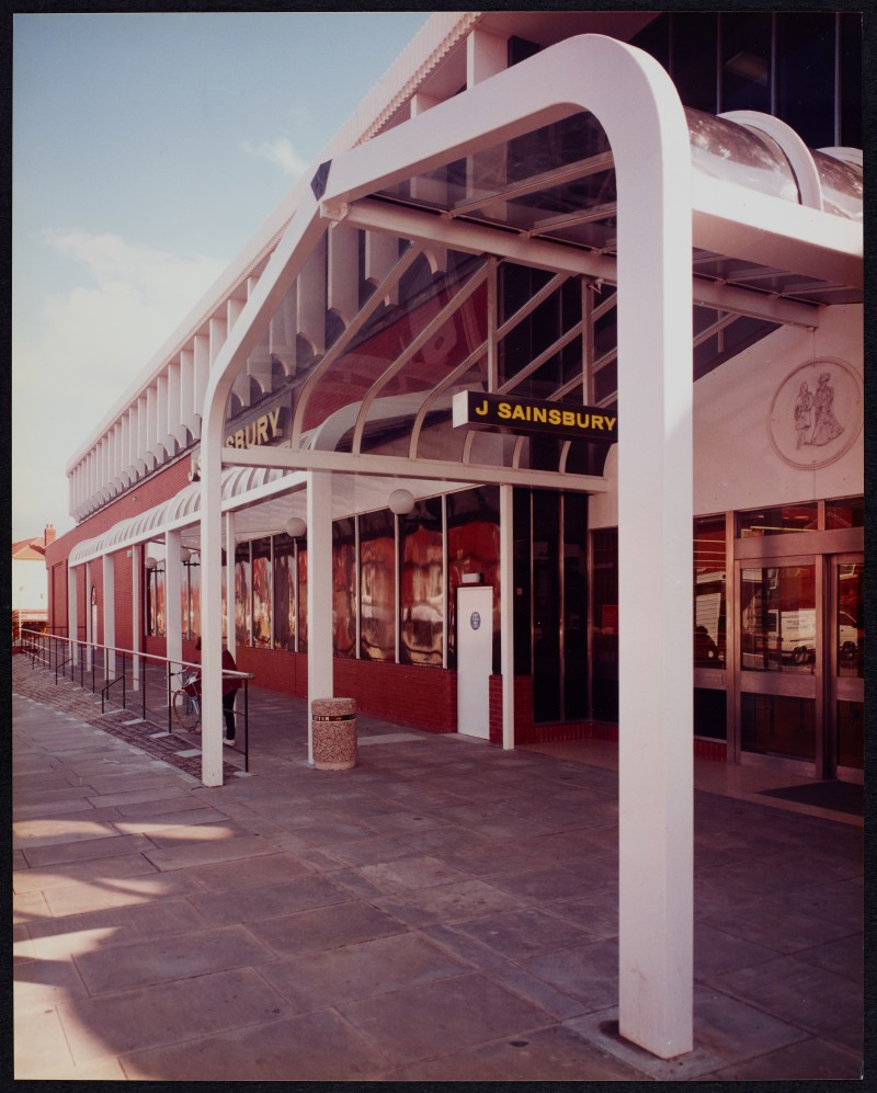 SA/BRA/7/B/25/2 - Image of the exterior of Red Bank Road, Blackpool branch