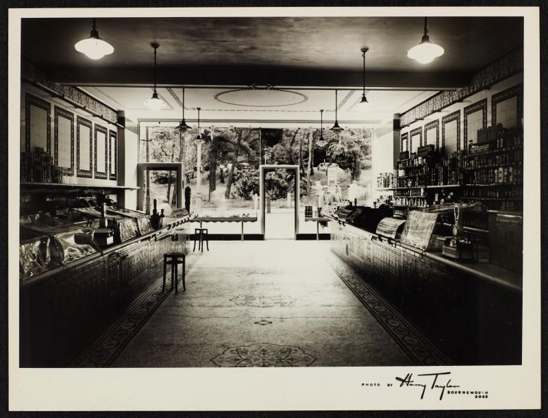 SA/BRA/7/B/31/1/7 - Image of Bournemouth (146/8 Old Christchurch Road) branch interior