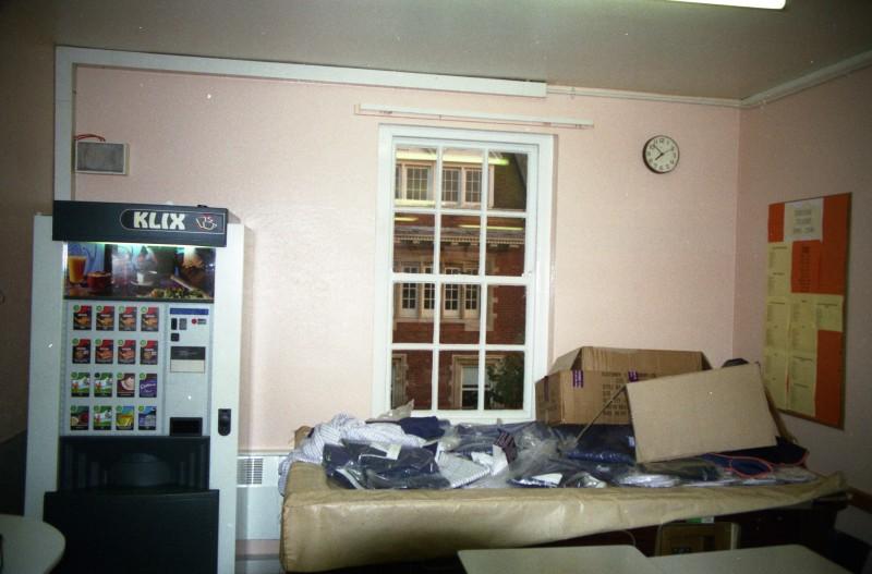 SA/BRA/7/B/31/3/47 - Image of staff canteen at 637/641 Christchurch Road, Boscombe branch