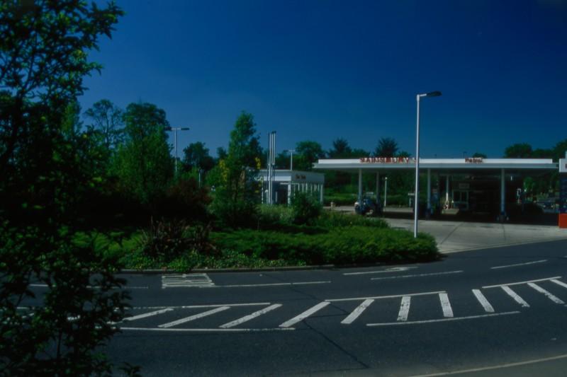SA/BRA/7/B/46/2/14 - Image of the petrol station at Oxford Road, Banbury branch