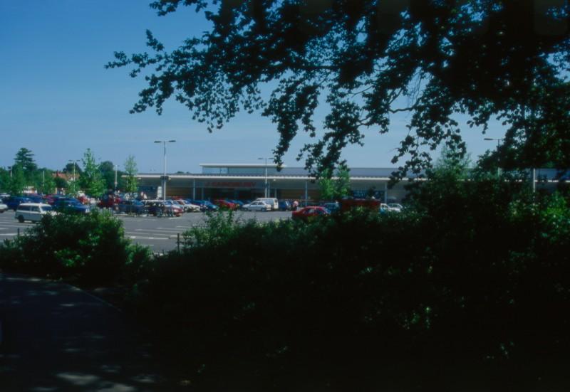 SA/BRA/7/B/46/2/33 - Image of greenery at Oxford Road, Banbury branch