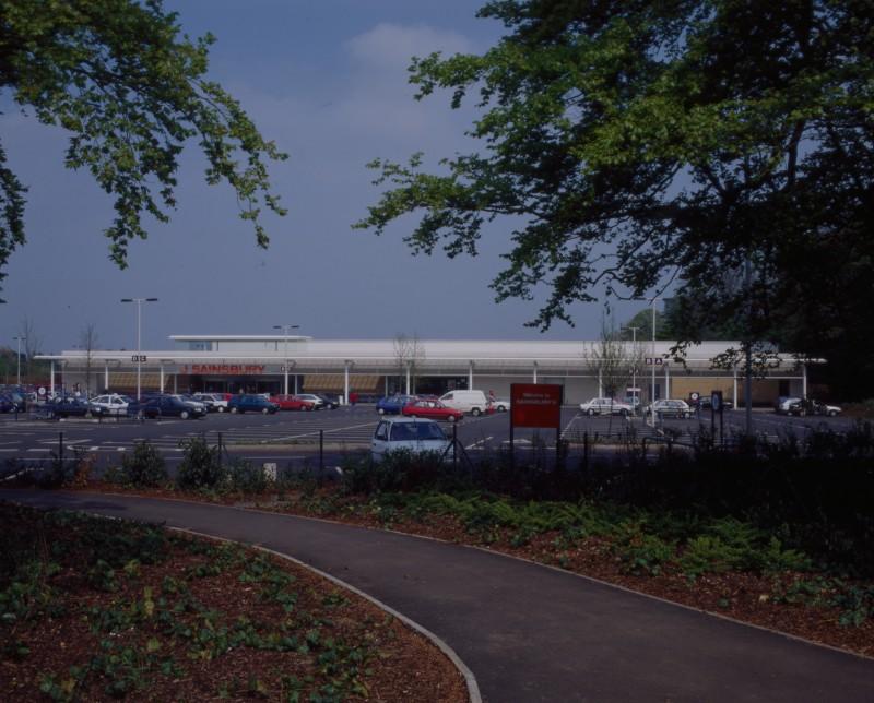 SA/BRA/7/B/46/2/38 - Image of the car park and exterior of Oxford Road, Banbury branch