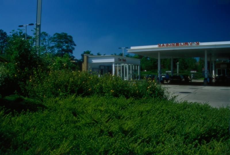 SA/BRA/7/B/46/2/3 - Image of the petrol station at Oxford Road, Banbury branch