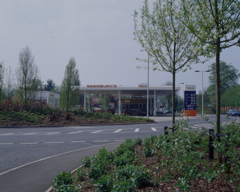 SA/BRA/7/B/46/2/60 - Image of the petrol station at Oxford Road, Banbury branch