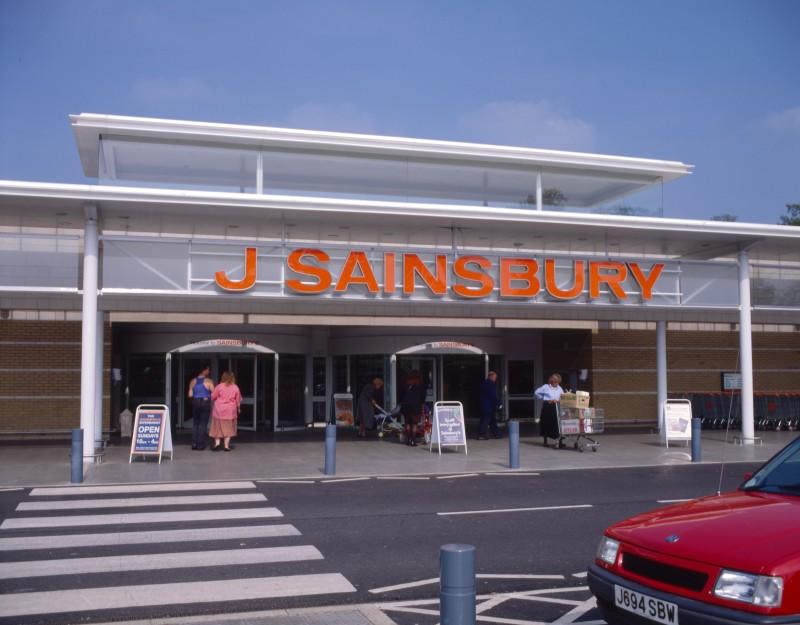SA/BRA/7/B/46/2/80 - Image of shop front at Oxford Road, Banbury branch