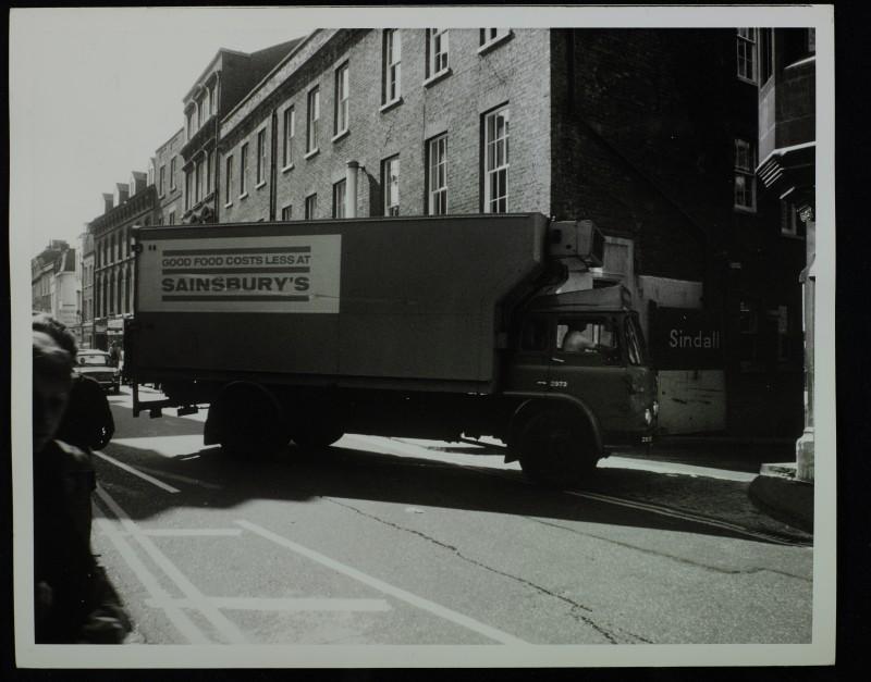 SA/BRA/7/C/4/2/123 - Image of Cambridge (44 Sidney Street): Sainsbury's lorry turning off Sidney Street into the service road