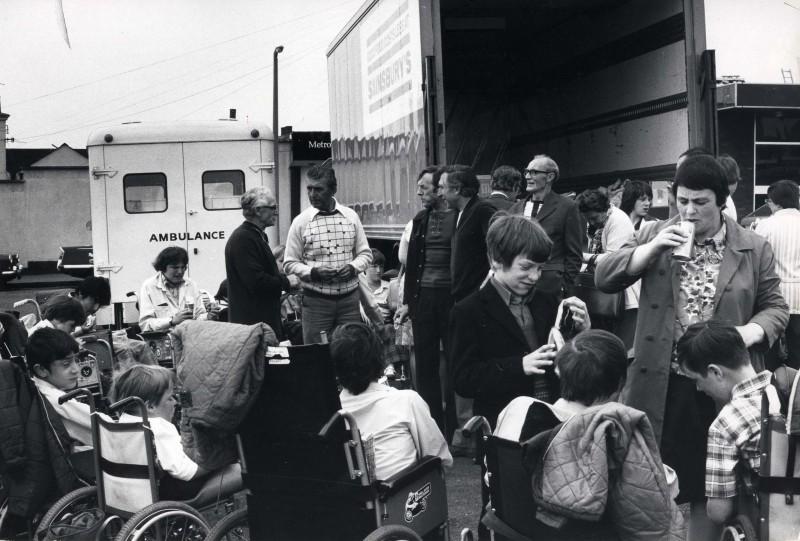 SA/DEP/4/6/38 - Photograph of Charlton Depot - visit of Truelove's, 1976