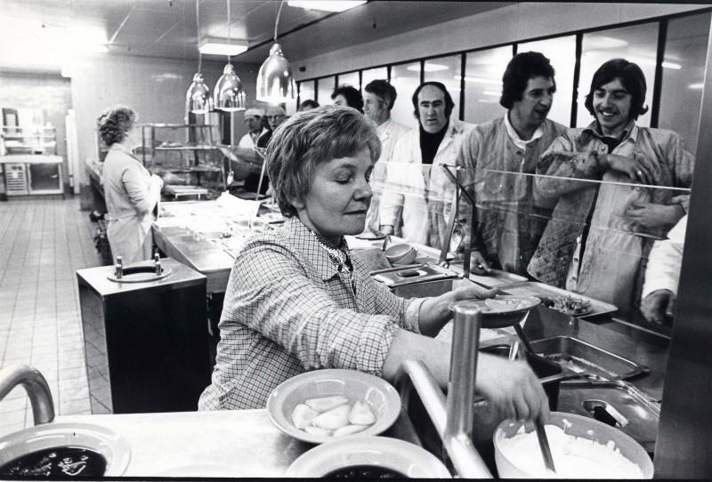SA/DEP/4/6/41 - Photograph of Charlton Depot, 1977 - cafeteria and Teresa Bloom