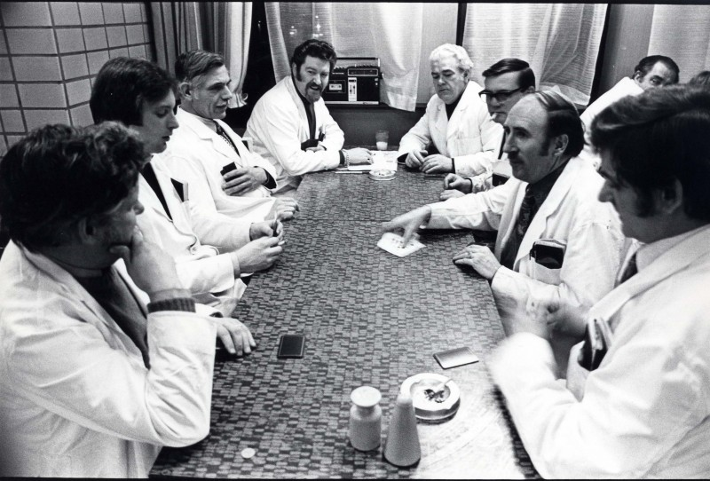 SA/DEP/4/6/42 - Photograph of Charlton Depot, 1977 - staff meeting