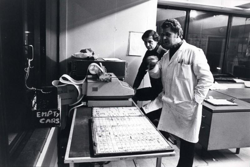 SA/DEP/4/6/43 - Photograph of Charlton Depot, 1977 - employees and adding machine