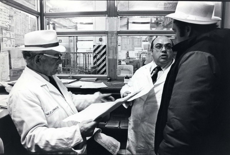 SA/DEP/4/6/45 - Photograph of Charlton Depot, 1977 - perishable warehouses, Bill Leonard, Ken Walters