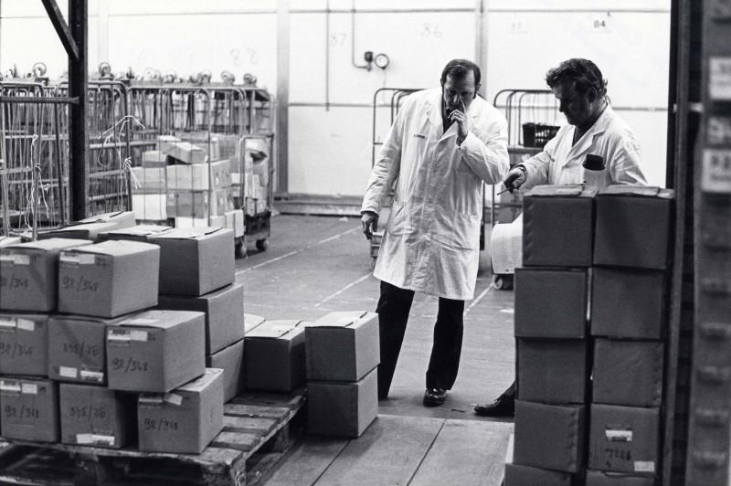 SA/DEP/4/6/47 - Photograph of Charlton Depot, 1977 - George Evans, foreman