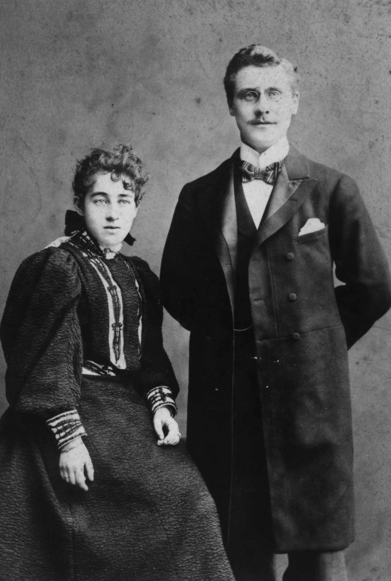 SA/FAM/2/IMA/1/3 - Photograph of JB Sainsbury with his wife Mabel