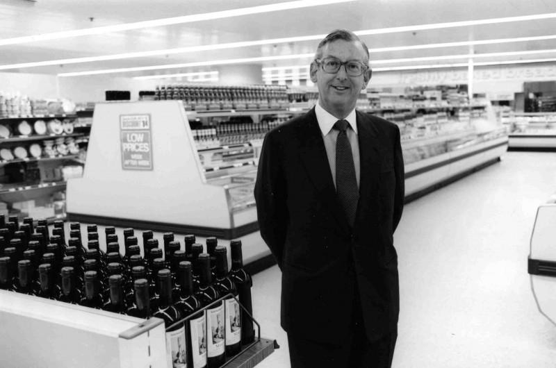 SA/FAM/5/IMA/4/1 - Photograph of JD Sainsbury at Cromwell Road branch, London, 1984