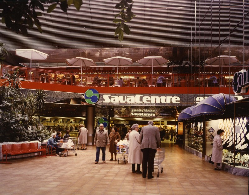 SA/SUB/SBHS/A-Z/E/IMA/1/1 - Photograph of interior of Cameron Toll, Edinburgh Savacentre store (entrance area)