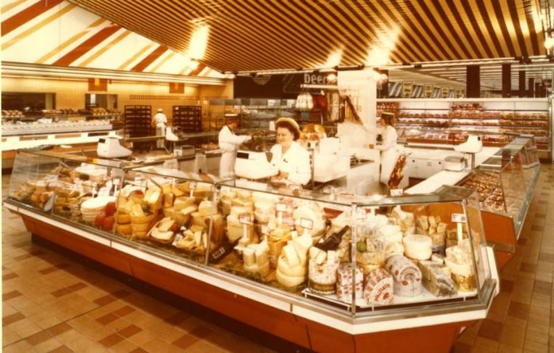 SA/SUB/SBHS/A-Z/W/IMA/1/2 - Photograph of interior of Washington Savacentre: cheese counter